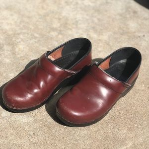 Dansko burgundy clogs